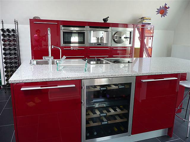 Rode Keuken Kopen : Wijnkoelers in de keuken Design Keukens