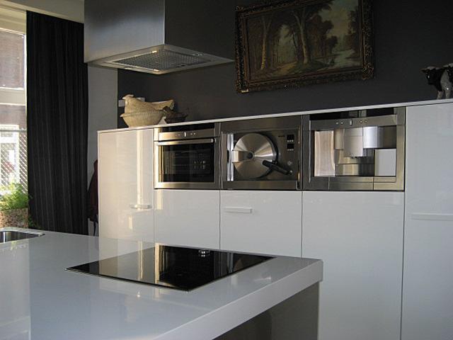 Snaidero keuken project 443 in alphen noord brabant - Model keuken wit gelakt ...