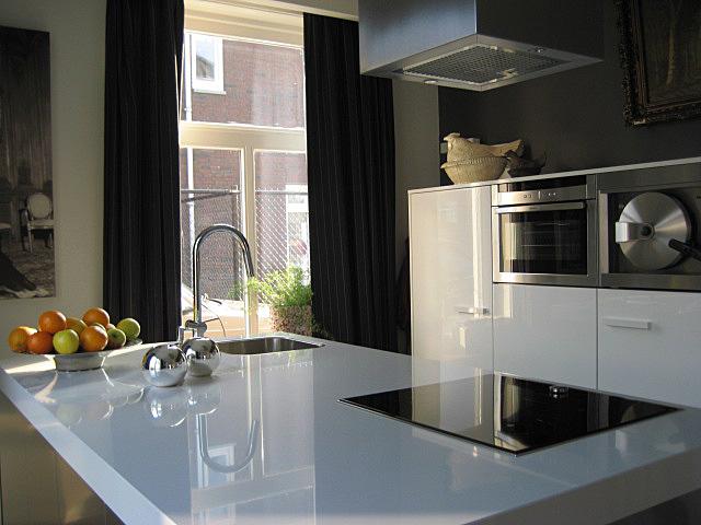 Design Keukens Brabant : De halfhoge kasten van deze Snaidero keuken ...