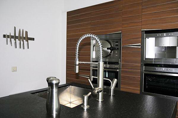 keuken zwart en hout