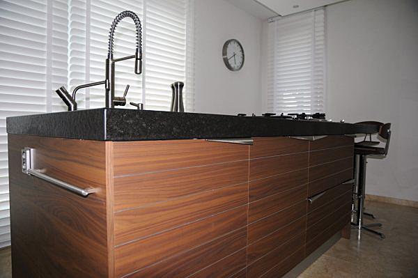 Keuken Ergonomie Afmetingen : Landelijke Keuken Met Eiken Graniet En Kookeiland HD Walls Find
