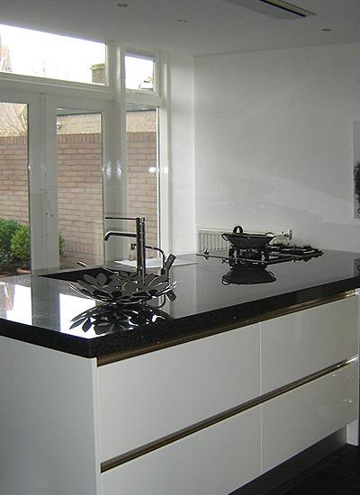 Xnovinky com Zwart Greeploos Keuken