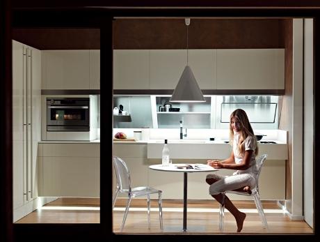 Snaidero kube de greeploze keuken ontworpen door giovanni offredi - Geloof spiegel keuken ...