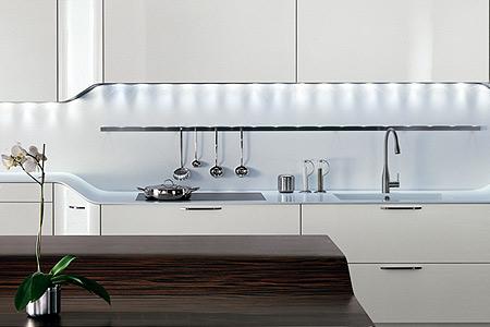 De Snaidero Venus (van Paolo Pininfarina). Oorspronkelijk zou het deze keuken worden, maar dit paste achteraf wat minder goed in de ruimte. Vandaar dat voor de Ola gekozen is.