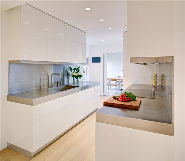 Witte Keuken Met Wit Werkblad: Witte keuken met wit composiet werkblad ...