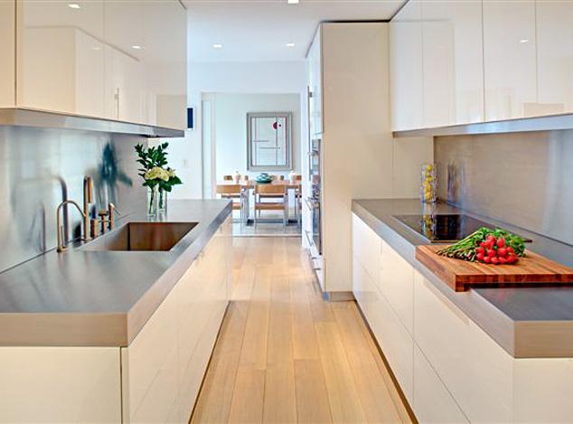 Rudy s blog over italiaanse design keukens e d roestvrijstalen werkbladen op italiaanse design - Witte keuken en hout ...