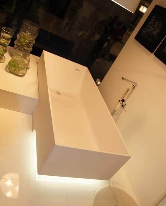 affordable nog een keer het bad met de led verlichting er onder with bad met verlichting