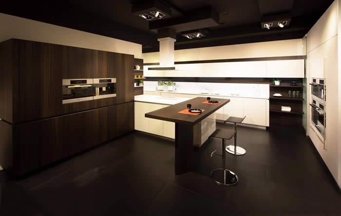 Keuken Donker Hout : Keukens e.d.: Snaidero Way two-tone keuken / kleuren hout bij Snaidero