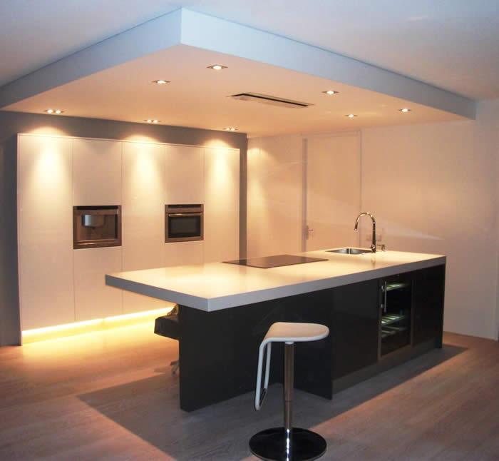 Verlaagde Plafond Keuken : Deze Italiaanse design keuken is uitgevoerd in programma Snaidero