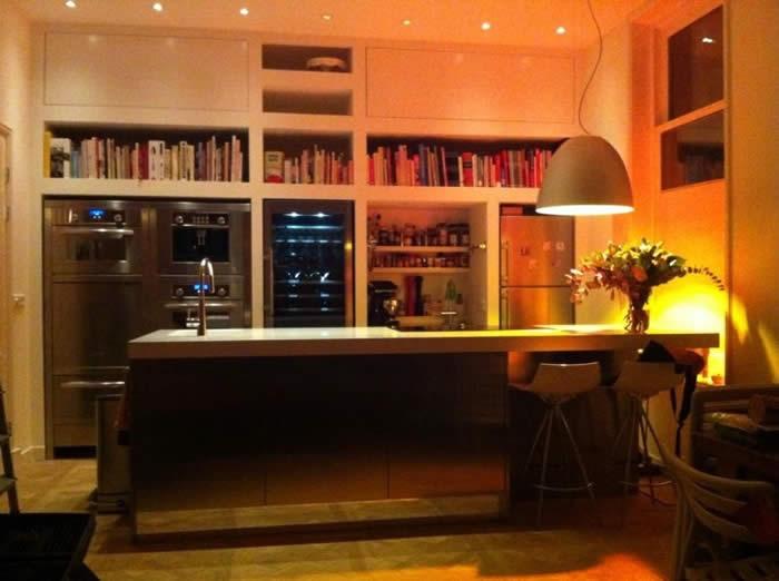 Keuken Design Amsterdam : De Snaidero keuken hier in Amsterdam is in roestvrijstaal uitgevoerd