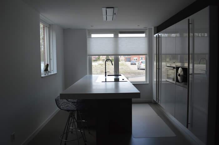 Design Keukens Noord Holland : Het Corian werkblad is vrij mat. Het ...