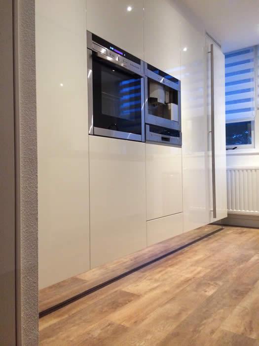 Italiaanse design keuken in zeeland arnemuiden projekt 632 - Heel mooi ingerichte keuken ...