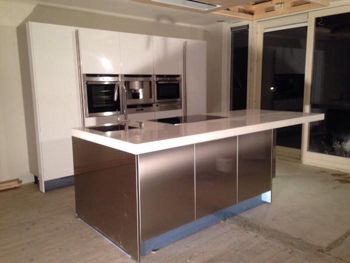 Design Keukens Noord Holland : De nieuwe keuken is geplaatst. De vloer ...