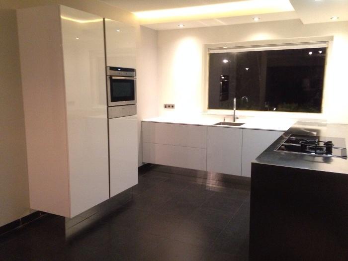 Hoogglans Witte Keuken Schoonmaken : Rudy`s blog over italiaanse design keukens e.d.: januari 2015