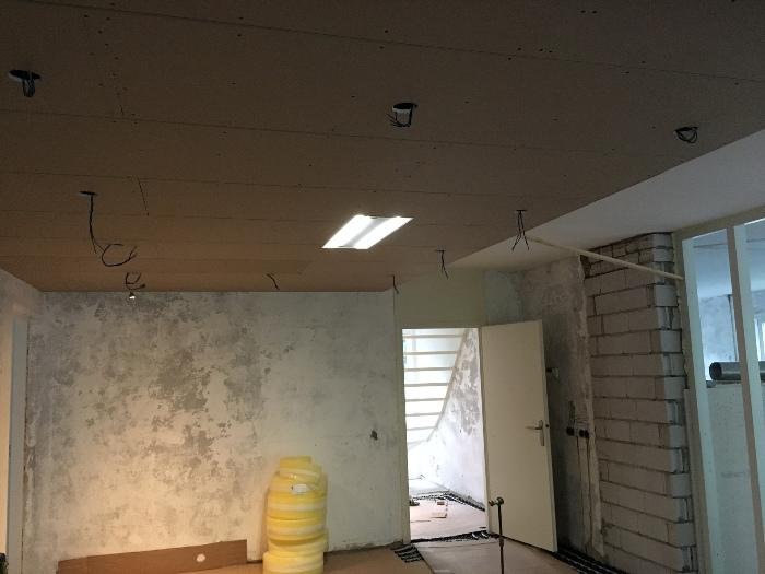 Italiaanse design keuken geplaatst in apeldoorn - Design keuken plafond ...