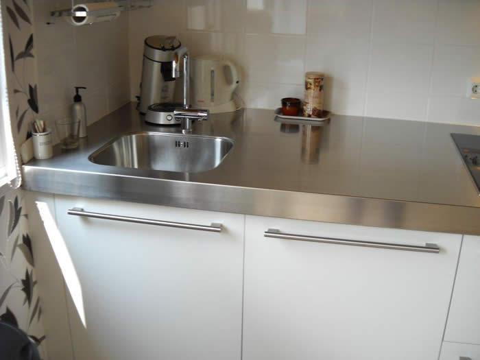 Witte Keuken Rvs Blad: Rvs keuken dievorm.
