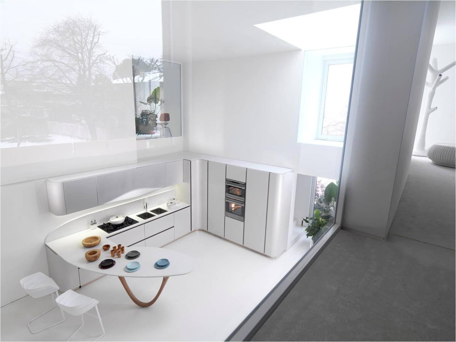 Lange Keukens: Keuken corian werkblad atumre. Lange keukenwand de ...