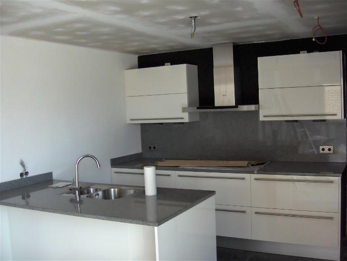 Kleur Muur Hoogglans Witte Keuken : veox keukens in utrecht voor nieuwe keukens en keukeninstallatie