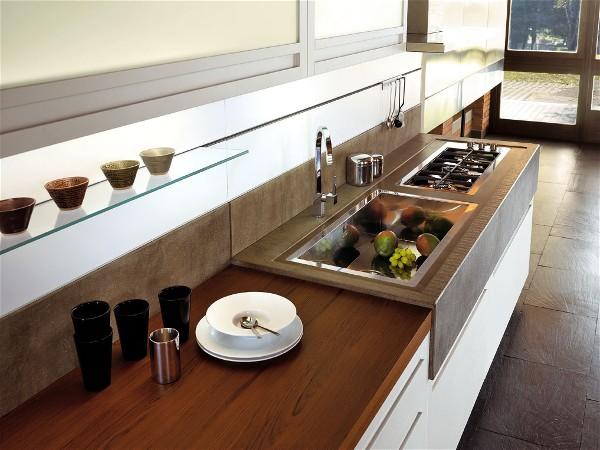 Keuken Wit Hout : Snaidero keuken Terra in het wit hout. Het aanrecht links is van Teak.