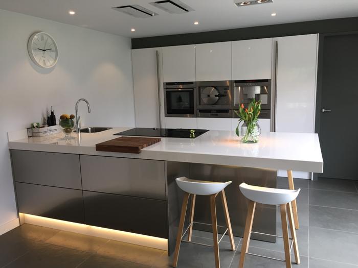 Tegelvloer Onder Keuken : In Aardenburg (Zeeland) hebben we een mooie Snaidero keuken geplaatst