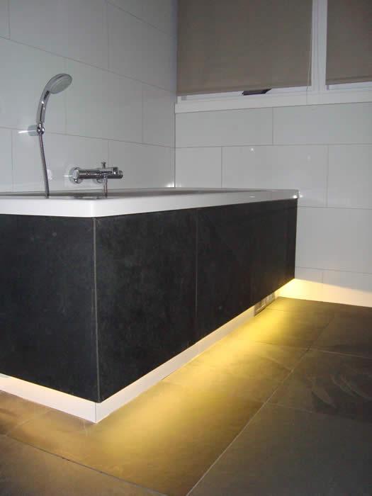 ... Design Keukens e.d.: Plintverlichting voor keukens en badkamers