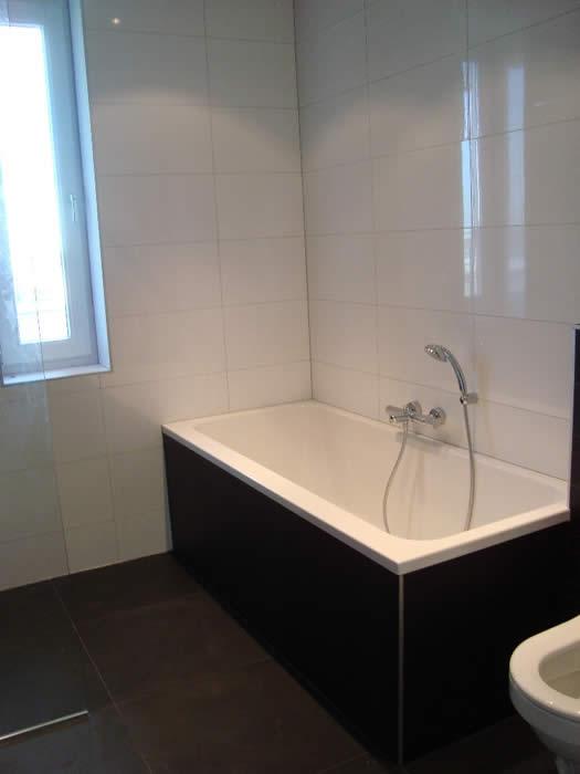 Nieuwbouw Keuken Badkamer : Ook de badkamer van deze nieuwbouw woning is door monteurs Jan en Joop