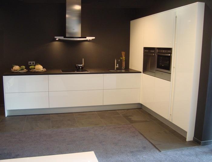 Hoogglans keukens voorbeelden en mogelijkheden van keukenopstellingen design keukens for Design keukens