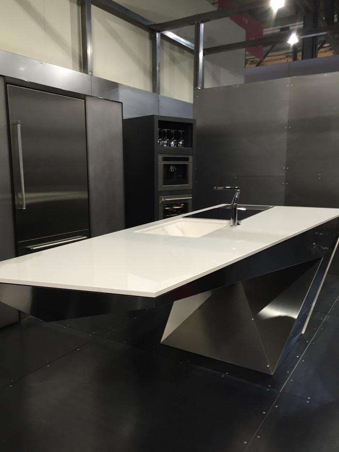 Snaidero concept store stijlvolle designkeukens italiaans design van topkwaliteit - Roestvrijstalen kast ...