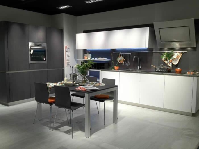 Showroomkeuken Snaidero Way hier op de keukenbeurs in Turijn.