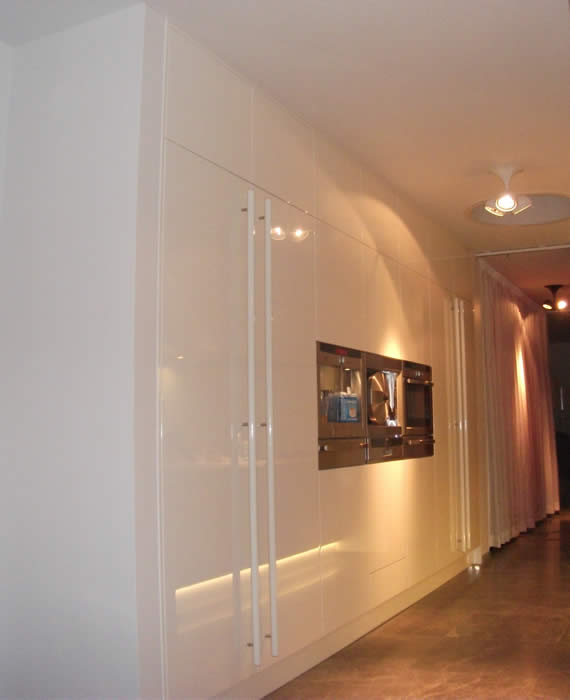 Luxe Pantry Keuken : in een nieuwbouw appartement in Amsterdam. Naast de Snaidero keuken