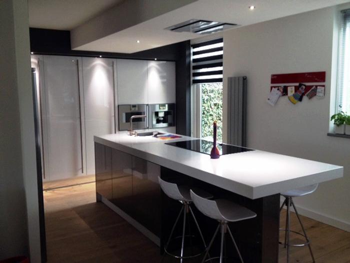 Barkrukken Keuken Design : bladgedeelte hebben we witte barkrukken mee mogen leveren
