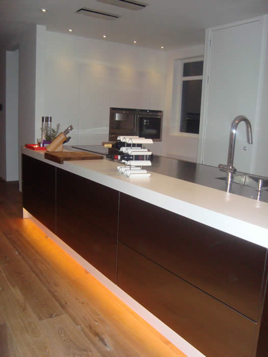 Italiaanse design keuken van snaidero te rockanje projekt 621 - Keuken in lengte ...