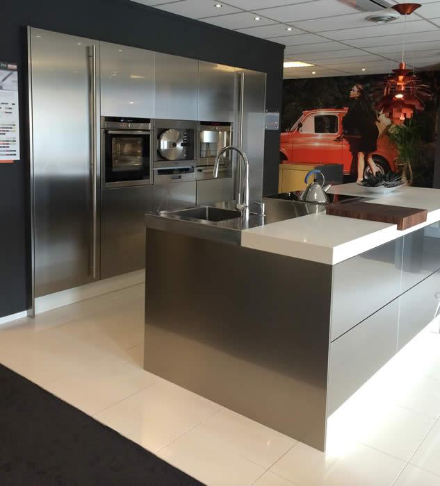 Rudy s blog over italiaanse design keukens e d snaidero keuken in duitsland project 630 - Tape geleid keuken ...