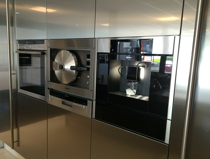Rudy s blog over italiaanse design keukens e d nieuwe for Neff apparatuur