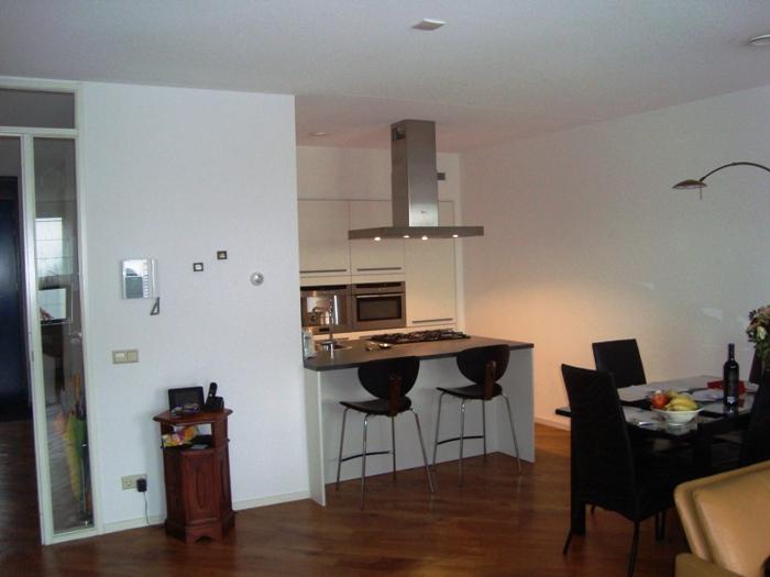 Barkrukken Keuken Design : Deze Snaidero keuken is geplaatst in een appartement op Arnemuiden
