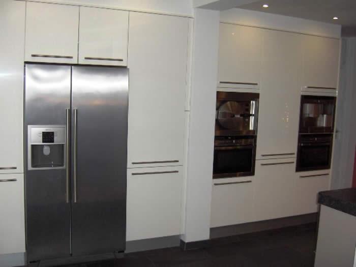 Hoge Kastenwand Keuken : De onderkasten van deze Snaidero keuken zijn uitgevoerd in het Tecnica