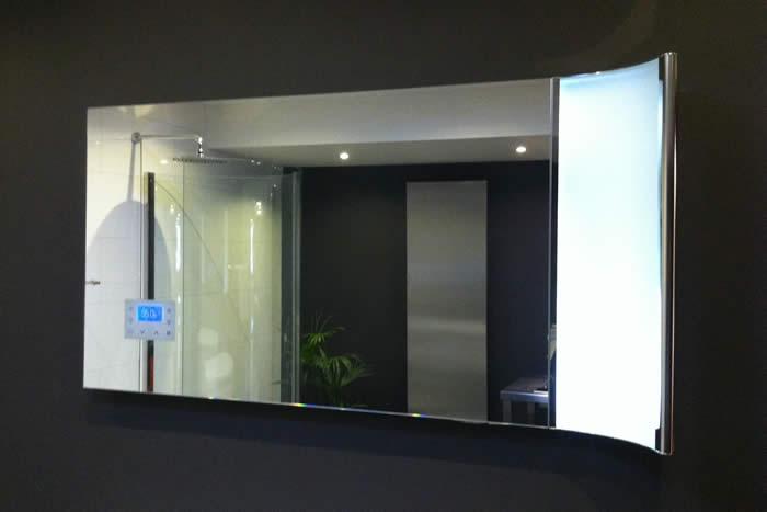 Badkamer spiegel naar ontwerp van paolo pininfarina for Spiegel badkamer verlichting