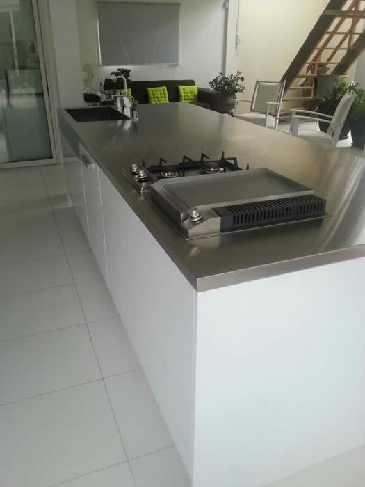 Keuken Design Suriname : De kookplaatkast is wel 120cm breed en heeft ...